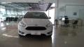 120_90_ford-focus-sedan-se-2-0-powershift-15-16-14-1