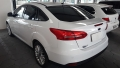 120_90_ford-focus-sedan-se-plus-2-0-powershift-15-16-4