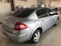 120_90_renault-megane-sedan-dynamique-2-0-16v-07-08-3-6