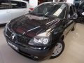 Renault Clio Clio Hatch. Privilége 1.0 16V - 04/04 - 15.900