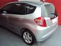 120_90_honda-fit-new-lxl-1-4-flex-aut-09-2-3