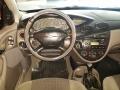 120_90_ford-focus-sedan-ghia-2-0-16v-01-01-5-4