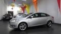 120_90_ford-focus-sedan-se-2-0-powershift-16-1-1