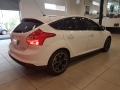 120_90_ford-focus-hatch-titanium-2-0-16v-powershift-15-15-5-3