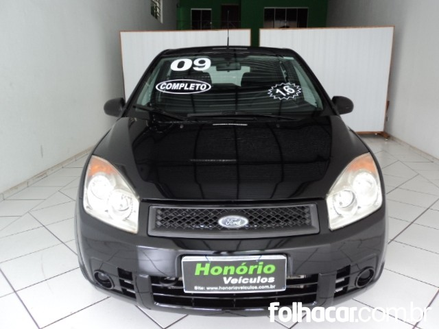 640_480_ford-fiesta-hatch-1-6-flex-09-1
