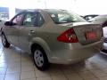 120_90_ford-fiesta-sedan-1-6-flex-07-08-96-4