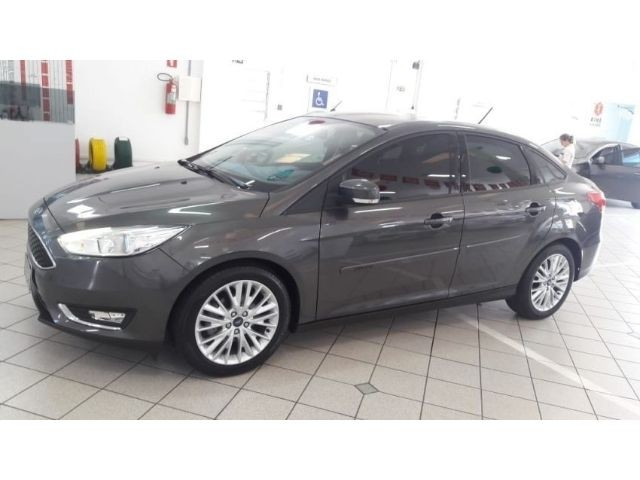 640_480_ford-focus-sedan-focus-fastback-se-2-0-powershift-17-18-1-2