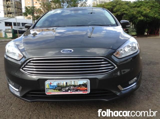 Ford Focus Sedan Titanium 2.0 PowerShift - 15/16 - 77.900