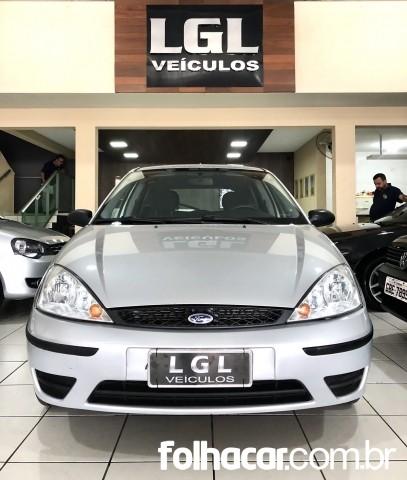 Ford Focus Hatch GLX 1.6 8V - 06/07 - 18.900