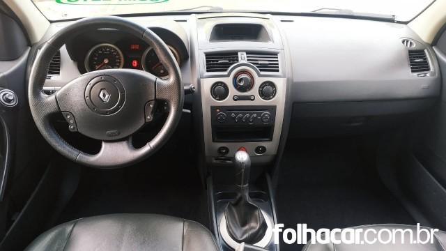 Renault Megane Sedan Dynamique 1.6 16V (flex) - 08/09 - 20.900
