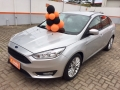 120_90_ford-focus-sedan-se-2-0-powershift-16-17-1-4