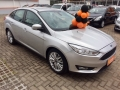 120_90_ford-focus-sedan-se-2-0-powershift-16-17-1-5