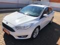 120_90_ford-focus-sedan-se-2-0-powershift-17-17-3