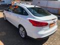 120_90_ford-focus-sedan-se-2-0-powershift-17-17-4