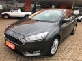120_90_ford-focus-sedan-se-plus-2-0-powershift-17-17-3-1