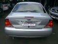 120_90_ford-focus-sedan-2-0-16v-02-02-6-4