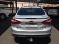 120_90_ford-focus-sedan-se-2-0-16v-powershift-aut-14-15-13-4