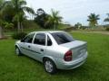 120_90_chevrolet-classic-corsa-sedan-super-1-0-vhc-04-05-5-4