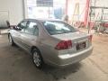 120_90_honda-civic-sedan-lx-1-7-16v-aut-01-01-28-4