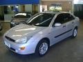 120_90_ford-focus-sedan-ghia-2-0-16v-01-01-10-1