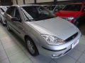 120_90_ford-focus-sedan-glx-2-0-16v-duratec-05-06-1