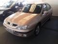120_90_renault-megane-sedan-rxe-2-0-8v-01-01-1