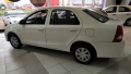 120_90_toyota-etios-sedan-x-1-5-flex-aut-17-18-4-4