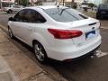 120_90_ford-focus-sedan-se-2-0-powershift-15-16-11-4