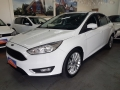 120_90_ford-focus-sedan-se-2-0-powershift-16-17-1