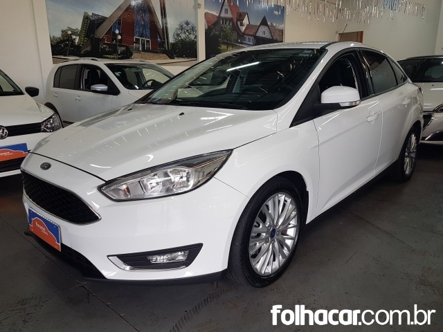 Ford Focus Sedan SE 2.0 PowerShift - 16/17 - 74.990