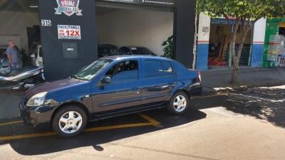 Clio Sedan Privilége 1.6 16V (flex)