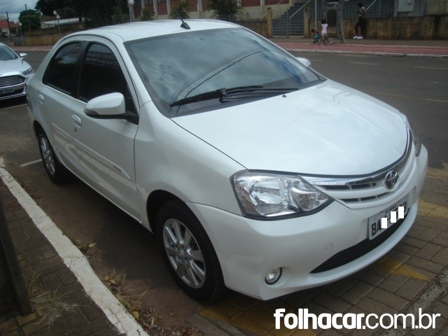 640_480_toyota-etios-sedan-xls-1-5-flex-aut-16-17-7-11