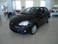 120_90_toyota-etios-sedan-xls-1-5-flex-aut-17-18-2-1