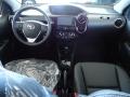 120_90_toyota-etios-sedan-xls-1-5-flex-aut-17-18-2-4