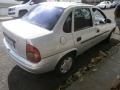 120_90_chevrolet-classic-corsa-sedan-1-6-02-03-5-3