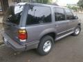 120_90_ford-explorer-xlt-4x2-4-0-v6-95-95-2