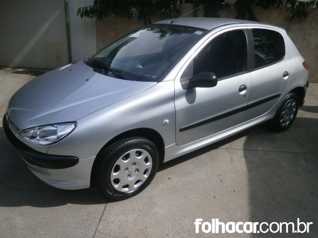 Peugeot 206 Hatch. Sensation 1.4 8V (flex) - 08/08 - 16.500