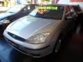 120_90_ford-focus-sedan-glx-1-6-8v-05-05-6-1
