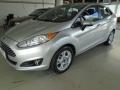 120_90_ford-new-fiesta-sedan-1-6-se-13-14-5-1