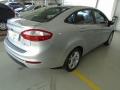 120_90_ford-new-fiesta-sedan-1-6-se-13-14-5-3