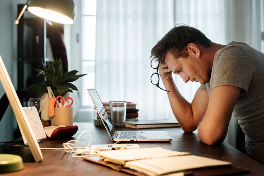 Qué es el estrés, cuáles son sus síntomas y cómo evitar que la economía afecte tu salud mental