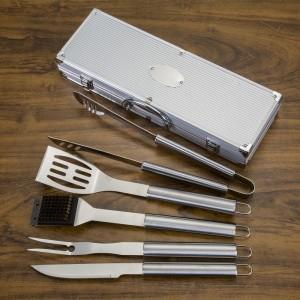 Kit Churrasco 5 peças em maleta de alumínio com relevo