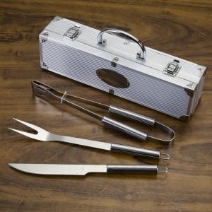 Kit Churrasco 3 peças em maleta de alumínio com relevo