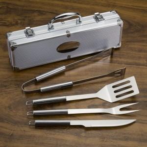 Kit Churrasco 4 peças em maleta de alumínio com relevo