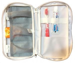 Kit higiene bucal adulto em estojo de nylon