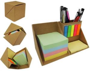 Bloco de anotação ecológico com post-it em formato de cubo