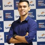 Com 21 anos, ex-aluno é gestor da empresa que iniciou como aprendiz
