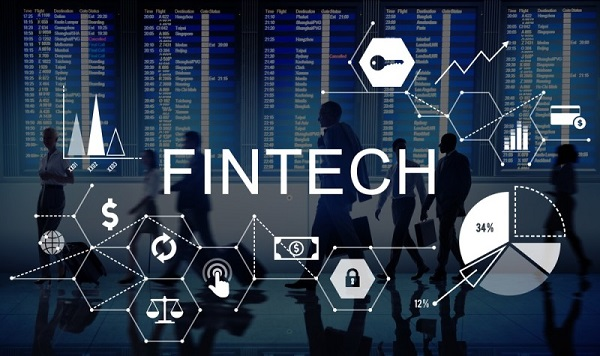 Em uma indústria de gigantes bancos, alguns serviços bem segmentados e criados com foco no cliente farão a diferença. Conheça a Revolução das fintechs.