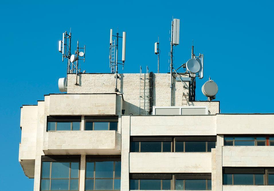 Antenas de telecomunicação
