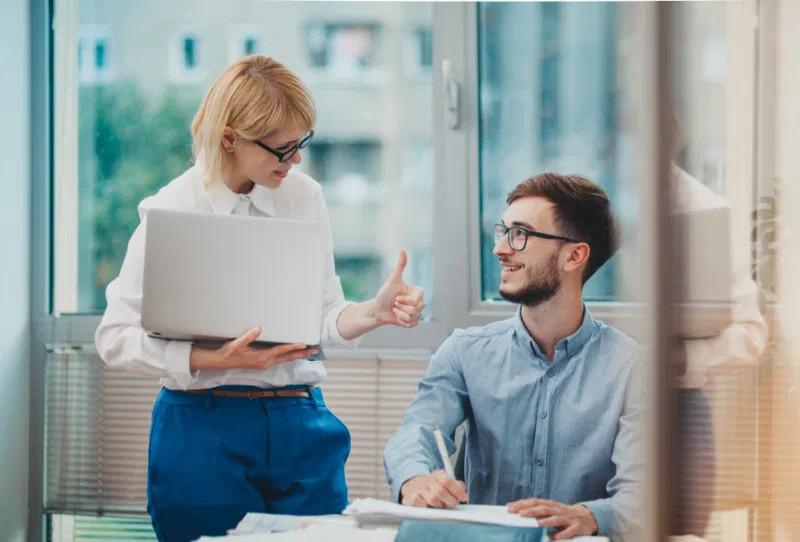 5 dicas essenciais de como dar feedback aos estagiários
